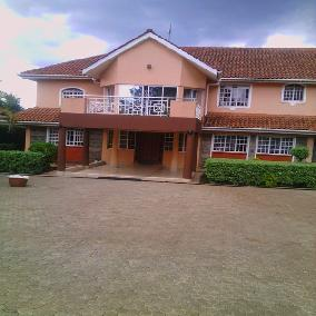 8 bedroom ambassadorial house